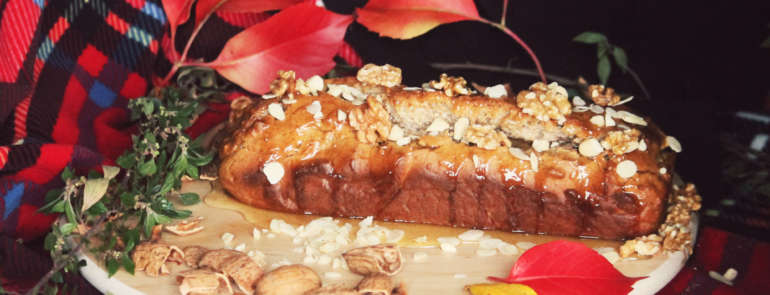 L'autunno in tavola: plumcake al miele con ricotta, noci e mandorle.