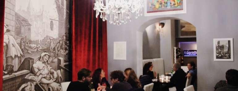 Passeggiata romantica a Salerno: tra Luci d'Artista e cena chic con Lobster roll